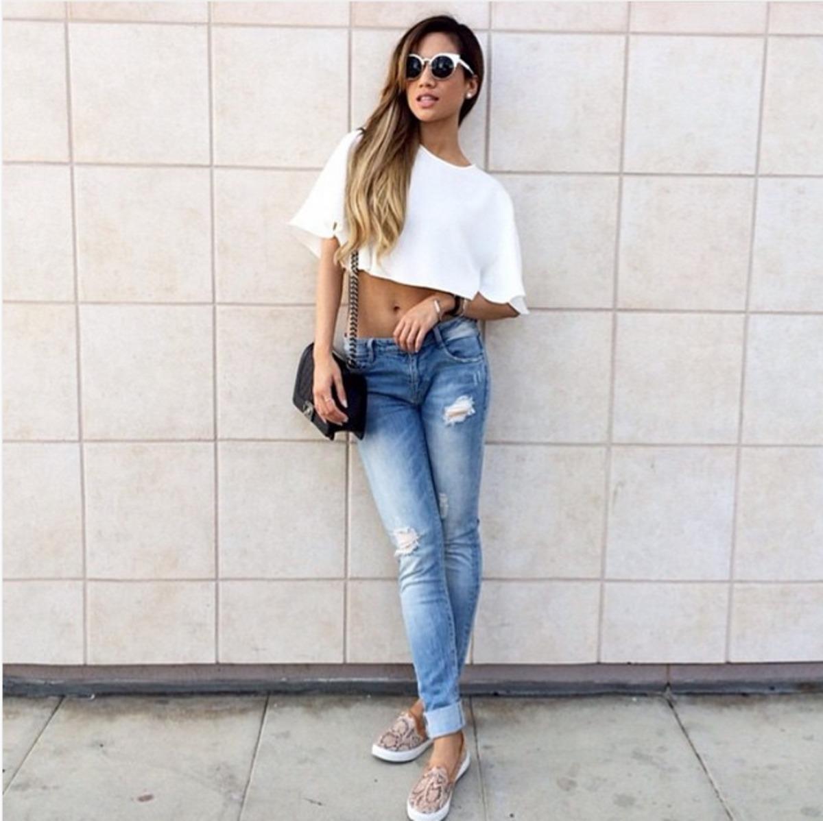 ... джинси з високою талією з коротким топом de03dd0454ba9