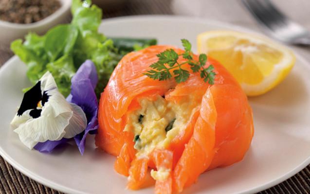 яєчня з лососем