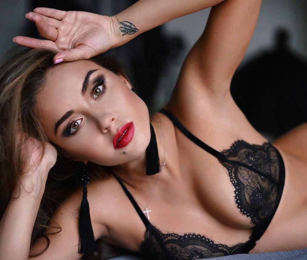 erotic scenes lora harring