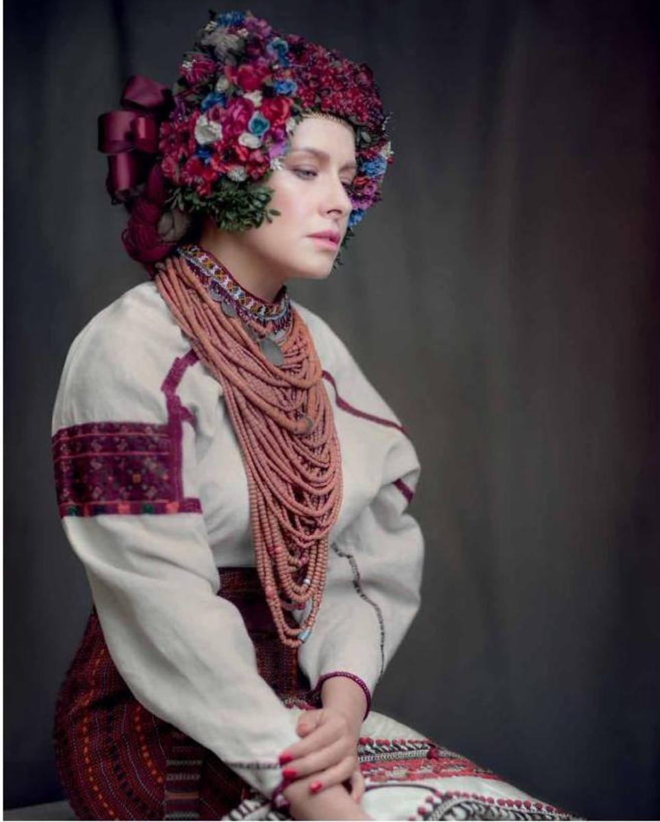 Фото українок у вінку 4 фотография