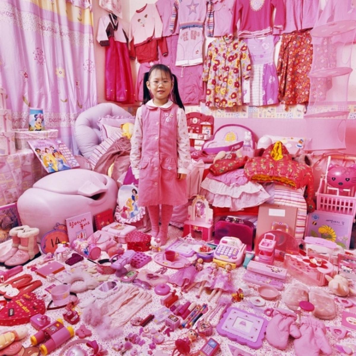 Смотреть порно фото девочек с игрушками 23 фотография