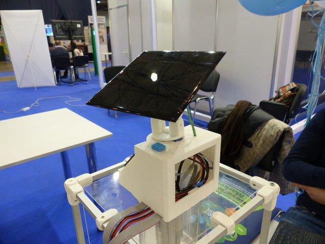Українська команда Water Cloud UA розробила пристрій, що виробляє воду з повітря 1/1