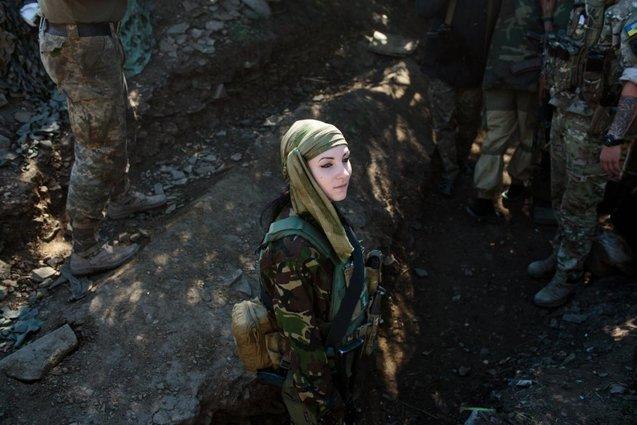 Фотограф із США фотографувала українських жінок, які воюють у зоні АТО 1/1