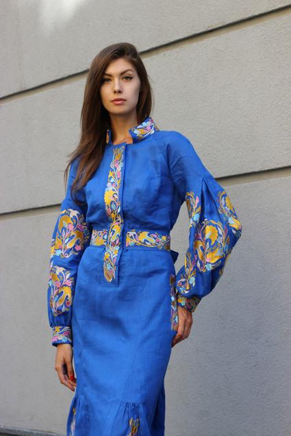 Синій Льон, вишита сукня