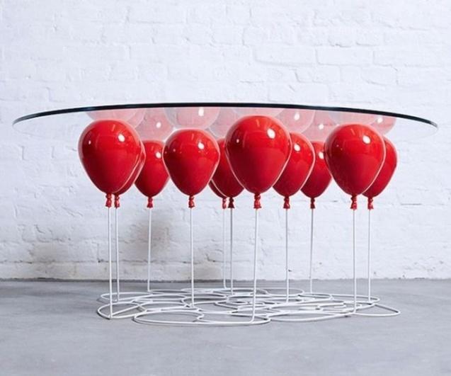 повітряні кульки, стіл