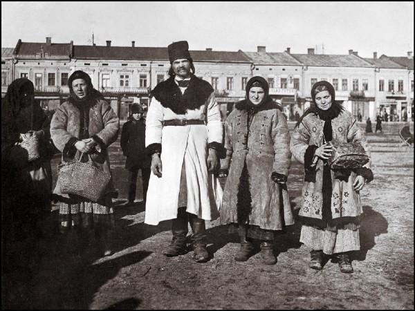 Традиційні сумки в українській моді 1/1