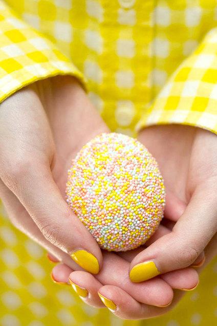 яскраві великодні яйця (фото)