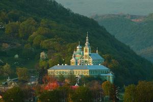 Свято-Миколаєвський жіночий монастир в Мукачево