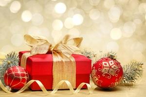 Готуємось до Нового року: декоративне оформлення подарунків
