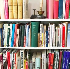 Найсвіжіша література: хапай гарячі історії.