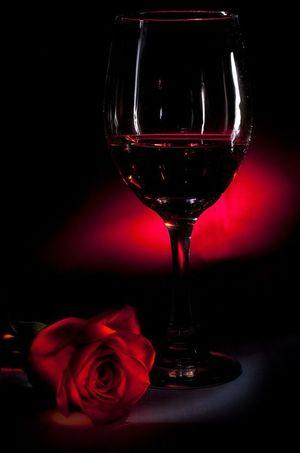 Вино з троянд: новела Василя Симоненка