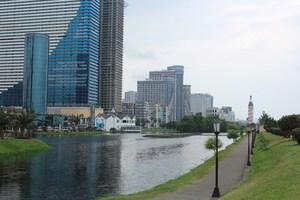 Сучасний Батумі - багатокілометровий приморський бульвар, тінисті парки, футуристичні будівлі та фонтани