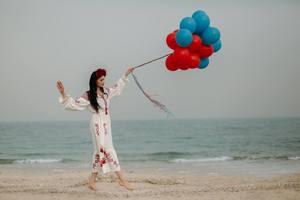 Красу українок Близького Сходу показали у фотопроекті Українки в Кувейті