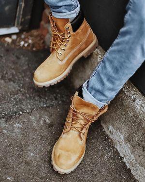 Як вдало придбати взуття в інтернеті: корисні поради