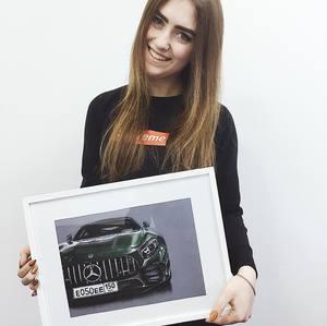 Дівчина, яка малює суперкари. Нові теми і техніки дизайнерки Юлії Семич