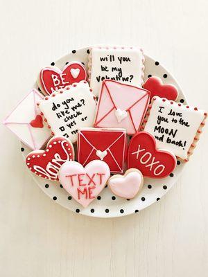 ТОП-8 ідей, що подарувати коханому на 14 лютого за рекомендацією Crafta.ua