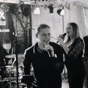 Гонорари, шалені весілля та скандали: що ховається за успіхом Malex Band?