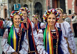 Символізм українського етнічного вбрання. Модно - не означає правильно