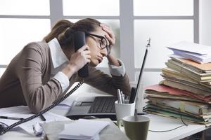 Як вижити в умовах постійного стресу через роботу?