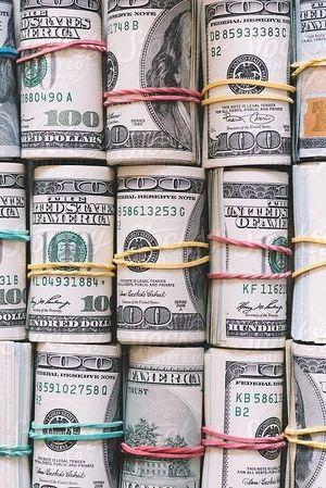 8 помилок хронічно бідних людей: як заробляти більше