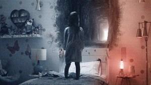Зневага до Бога у фільмі Паранормальне явище: Примарний Світ