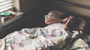 8 хитрощів, як змусити себе прокидатися раніше