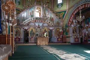 Дерев'яна церква XVIII століття в селі Татарів.