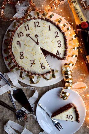 Печемо торт Новорічні куранти
