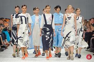 35-й Ukranian Fashion Week. День 1: весняне місто POUSTOVIT