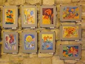 Історія однієї квітки. В Івано-Франківську триває виставка творчих робіт дітей з особливими потребами