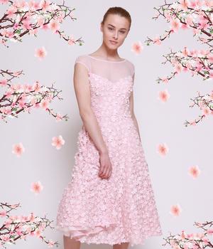 Весенний румянец: актуальные платья розового цвета