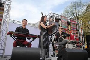 Українська пісня під перкусію, бандуру і клавішні: розмова із засновниками арт-фольк-гуртуTroye Zillia
