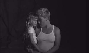 Українка зняла кліп для відомої співачки