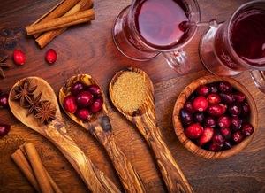 Готуємось до холодів: рецепти традиційних українських зігріваючих напоїв