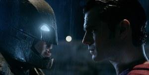 Бетмен проти Супермена: еволюція легендарних супергероїв