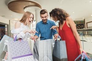 Шопінг із розумом: як контролювати імпульсивні покупки й не впасти в залежність