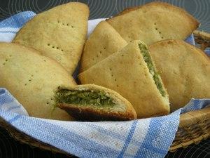 ПІСНІ СМАКОЛИКИ: Пиріжки з сочевицею та шпинатом