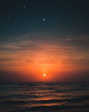 Море мовчить