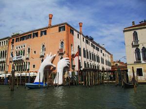 Хвилями Венеції (фоторепортаж)