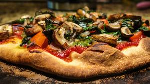 ПІСНІ СМАКОЛИКИ: Піца з грибами та баклажанами