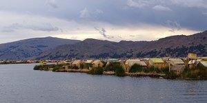 Озеро Тітікака та острови Урос