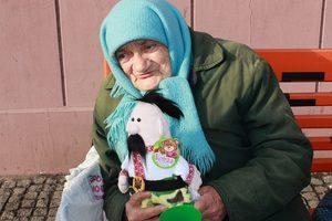 Вони для мене, мов синочки та донечки: незвичайна волонтерка з Дніпра