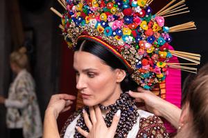 ЩИРІ 2019: 15 зірок знялися в благодійному календарі на тему українських свят