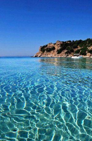 Фантастичні краєвиди острова Амульяні